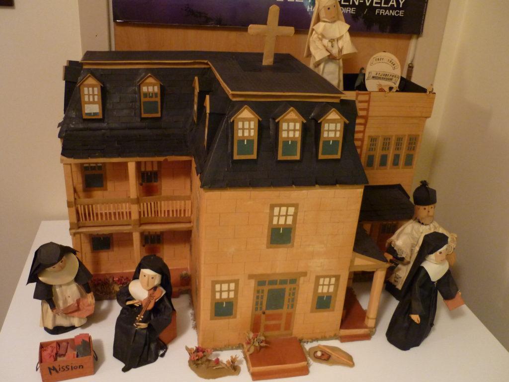 Paper model of original Pembroke Motherhouse.